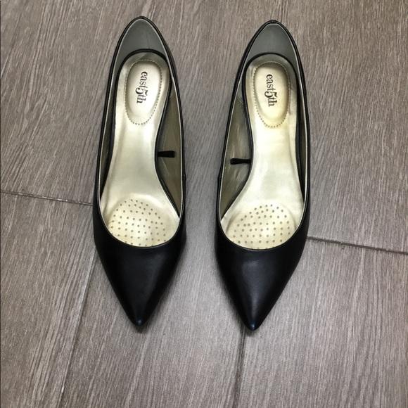 East 5th Shoes - Kitten heel pumps
